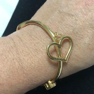 ASHLEY BRIDGET GOLD TONE MOTHER HEART BRACELET
